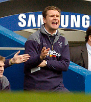Photo: Leigh Quinnell.<br /> Chelsea v Norwich City. The FA Cup. 17/02/2007.<br /> Norwich boss Peter Grant shouts out.