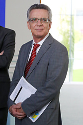 15.09.2015, Bundeskanzleramt, Berlin, GER, Flüchtlingskrise in der EU, Gipfeltreffen Deutschland und Oesterreich, im Bild Innenminister Thomas de Maziere (CDU) // attend a joint press conference following talks about the refugee crisis at the Bundeskanzleramt in Berlin, Germany on 2015/09/15. EXPA Pictures © 2015, PhotoCredit: EXPA/ Eibner-Pressefoto/ Hundt<br /> <br /> *****ATTENTION - OUT of GER*****