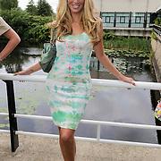 NLD/Amsterdam/20120822 - Perspresentatie SBS Sterren Springen, deelneemster Kelly van der Veer