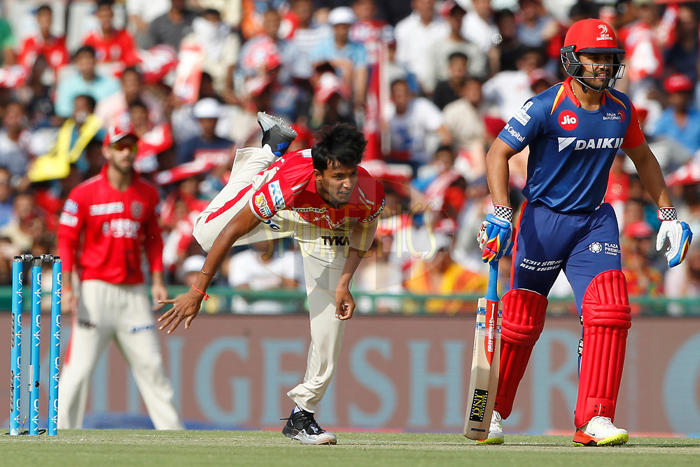 T Natarajan of Kings XI Punjab bowls a delivery during match 36 of the Vivo 2017 Indian Premier League between the Kings XI Punjab and the Delhi Daredevils  held at the Punjab Cricket Association IS Bindra Stadium in Mohali, India on the 30th April 2017<br /> <br /> Photo by Deepak Malik - Sportzpics - IPL
