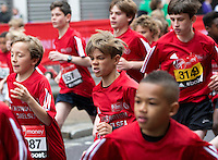 Romeo Beckham at the start of the U13 boys race. The Virgin Money London Marathon, Sunday 26th April 2015.<br /> <br /> Photo: Jed Leicester for Virgin Money London Marathon<br /> <br /> For more information please contact Penny Dain at pennyd@london-marathon.co.uk