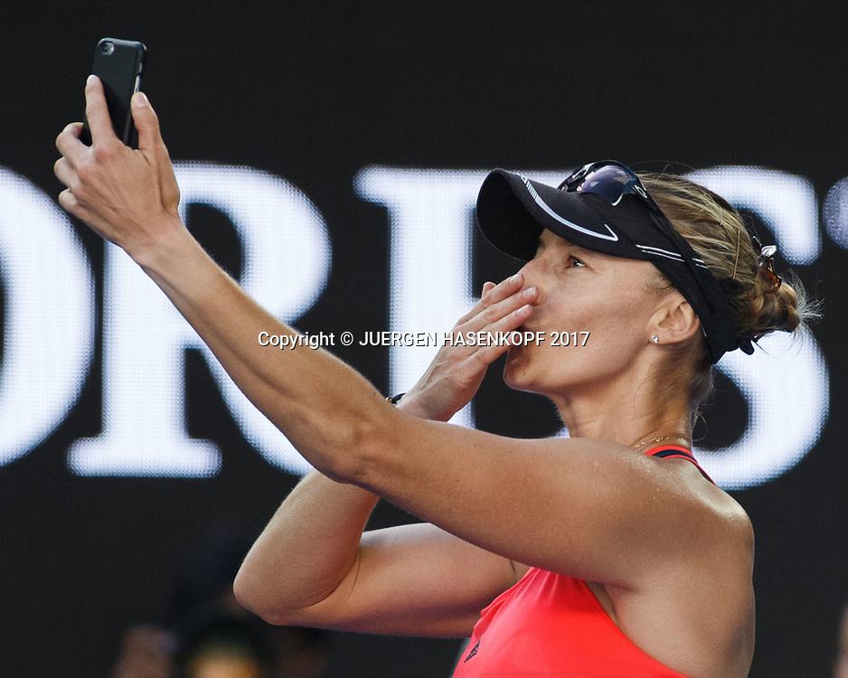 MIRJANA LUCIC-BARONI (CRO) macht ein Selfie auf dem Platz nach dem Spiel,Emotion, Handy<br /> <br /> Australian Open 2017 -  Melbourne  Park - Melbourne - Victoria - Australia  - 26/01/2017.