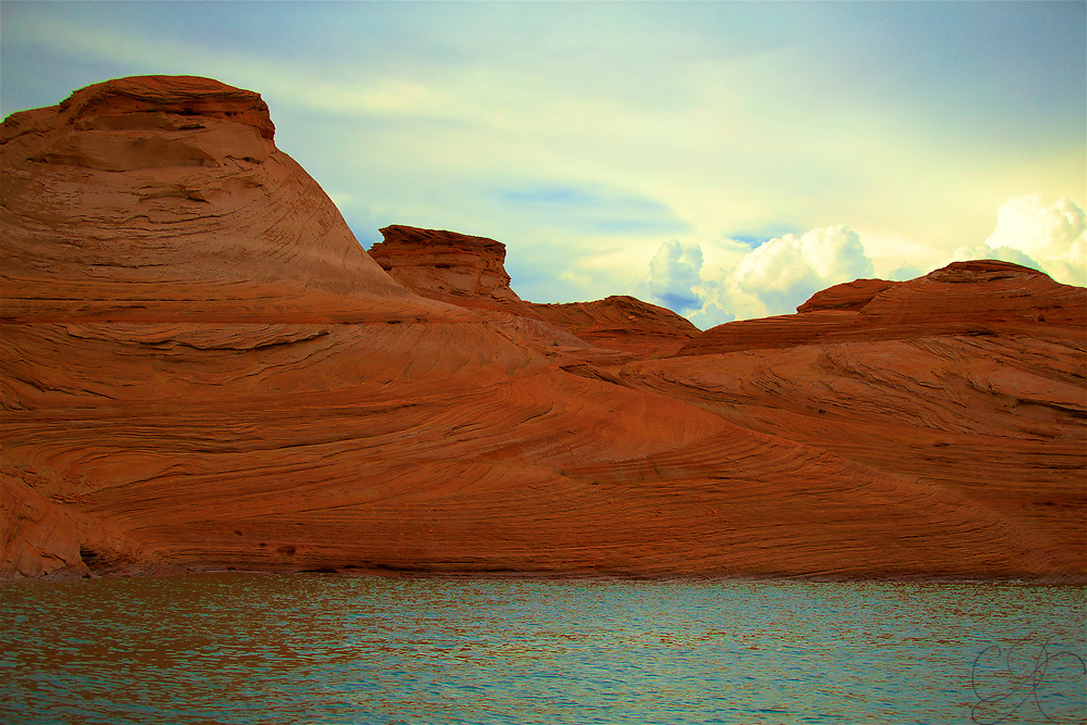 Exploring the amazing views of Antelope Canyon from the waters of Lake Powell