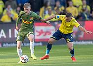 FODBOLD: Joachim Rothmann (FC Nordsjælland) og Josip Radosevic (Brøndby IF) under kampen i Superligaen mellem Brøndby IF og FC Nordsjælland den 13. maj 2019 på Brøndby Stadion. Foto: Claus Birch.