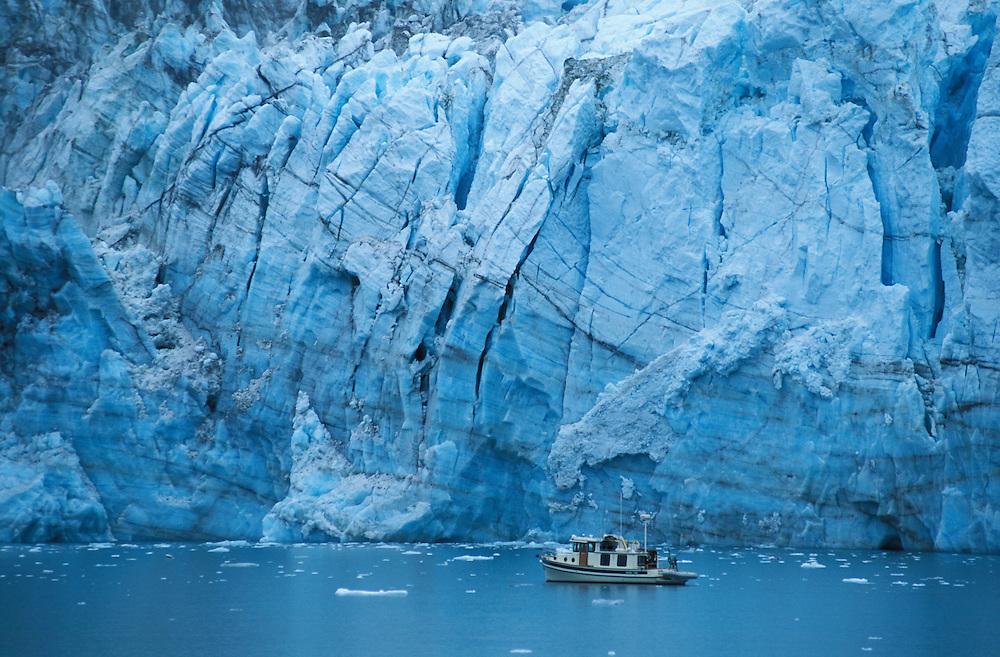 Boat, Margerie Glacier, Glacier Bay National Park, Alaska, USA