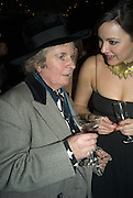 MAGGI HAMBLING, Discover Wilton's Music Hall, Fundraising event. Graces alley, Ensign St. London. 5 December 2007. -DO NOT ARCHIVE-© Copyright Photograph by Dafydd Jones. 248 Clapham Rd. London SW9 0PZ. Tel 0207 820 0771. www.dafjones.com.