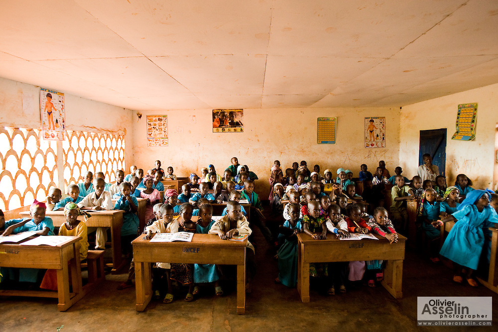 Children in a classroom at the Bazzama primary school in the town of Bazzama, Cameroon on Wednesday September 16, 2009.  The school integrates the children of refugees from Central African Republic with residents from the area.
