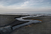 Tubo di scarico in mare. Barletta, 8 gennaio 2014. Christian Mantuano / OneShot