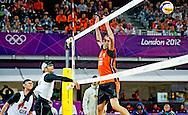 LONDEN -  Het is de Nederlandse beachvolleyballers Reinder Nummerdor en Richard Schuil niet gelukt om de olympische finale te bereiken. Het ervaren koppel was kansloos tegen het favoriete Duitse duo Julius Brink/Jonas Reckermann. Op de Horse Guards Parade werden de Nederlanders met 21-14 en 21-16 verslagen.