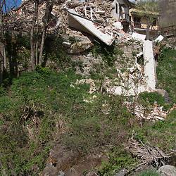 Casa distrutta a Retrosi