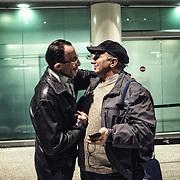 Matok et Milazzo se rencontrent à l'aéroport de Catane, finalement. Ça faisait plus de deux années que Mohamed attendait de rencontrer celui qui a réussi à restituer une identité au corps de son frère Bilal