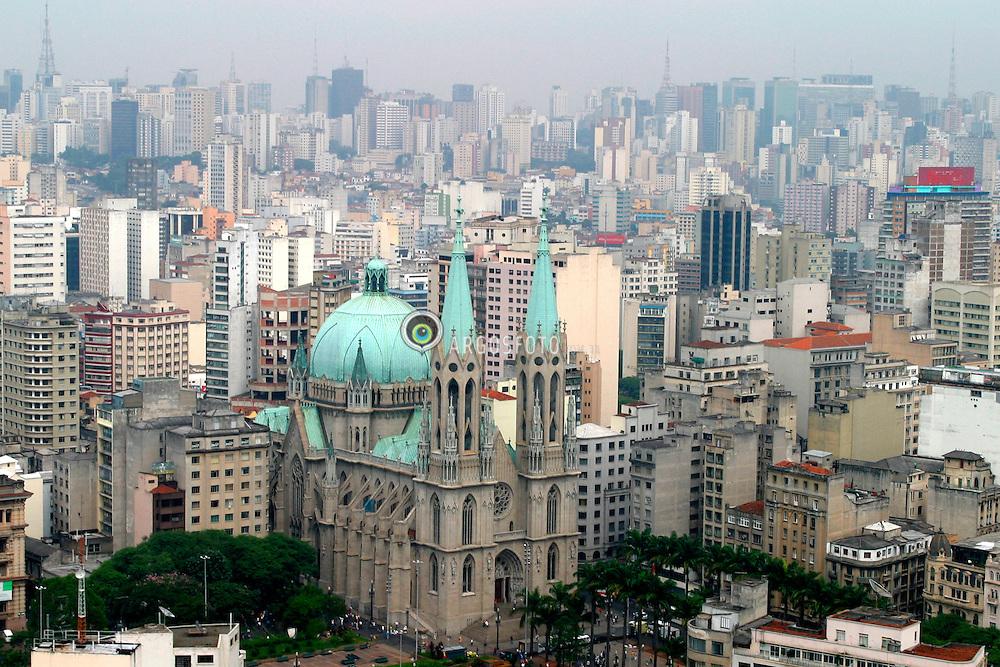 Sao Paulo,SP,Brasil. 19/03/2004.Catedral da Se, centro de Sao Paulo/ Se Cathedral in the city center of Sao Paulo..Foto Marcos Issa/Argosfoto