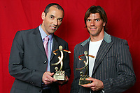 Fotball<br /> Frankrike<br /> Foto: Dppi/Digitalsport<br /> NORWAY ONLY<br /> <br /> UNFP AWARDS - 22/05/2005<br /> <br /> PAUL LE GUEN (AWARD FOR THE BEST COACH IN LEAGUE 1) / GREGORY COUPET (AWARD FOR THE BEST GOAL KEEPER IN LEAGUE 1)
