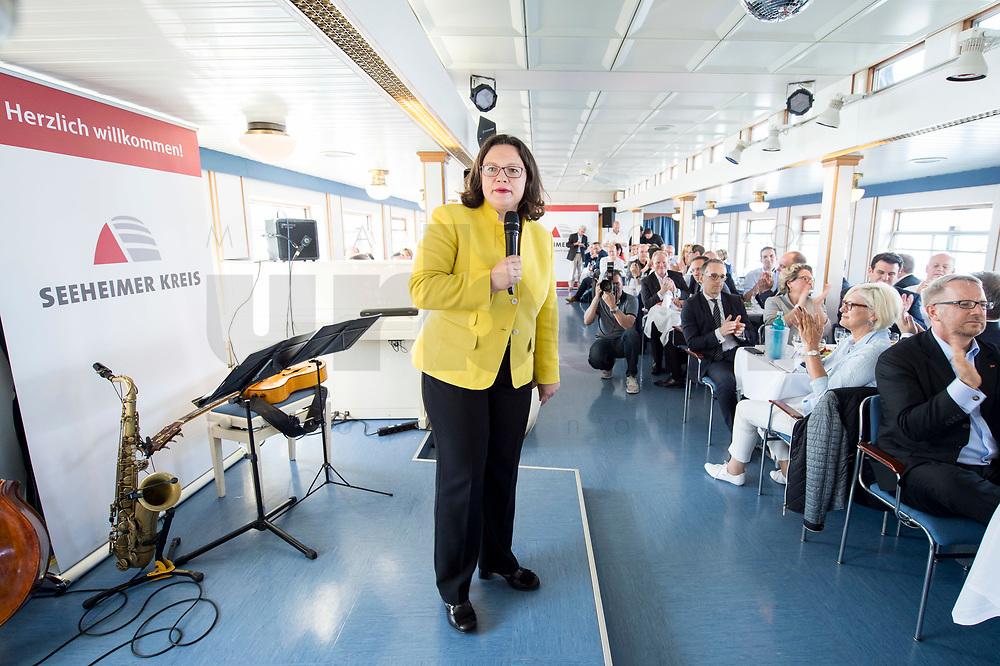 05 JUN 2018, BERLIN/GERMANY:<br /> Andrea Nahles, SPD Partei- und Fraktionsvorsitzende, spricht zu den Teilnehmern der Spargelfahrt des Seeheimer Kreises der SPD, Anleger Wannsee<br /> IMAGE: 20180605-01-116<br /> KEYWORDS: Rede, speech