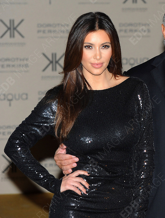 08.NOVEMBER.2012. LONDON<br /> <br /> KIM AND KOURTNEY KARDASHIAN ARRIVING AT AQUA BAR FOR THE KARDASHIAN COLLECTION LAUNCH PARTY.<br /> <br /> BYLINE: EDBIMAGEARCHIVE.CO.UK<br /> <br /> *THIS IMAGE IS STRICTLY FOR UK NEWSPAPERS AND MAGAZINES ONLY*<br /> *FOR WORLD WIDE SALES AND WEB USE PLEASE CONTACT EDBIMAGEARCHIVE - 0208 954 5968*