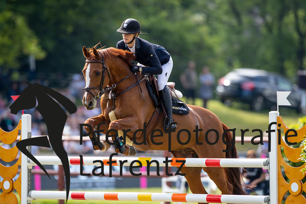 BURCHARD Pia (GER), Quinaro<br /> Hamburg - 90. Deutsches Spring- und Dressur Derby 2019<br /> SPOOKS-Amateur Trophy<br /> 02. Juni 2019<br /> © www.sportfotos-lafrentz.de/Stefan Lafrentz