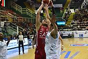 DESCRIZIONE : Avellino Lega A 2015-16 Sidigas Avellino EA7 Emporio Armani Milano<br /> GIOCATORE : Alessandro Gentile<br /> CATEGORIA : tiro schiacciata sequenza<br /> SQUADRA : EA7 Emporio Armani Milano<br /> EVENTO : Campionato Lega A 2015-2016<br /> GARA : Sidigas Avellino EA7 Emporio Armani Milano<br /> DATA : 19/10/2015<br /> SPORT : Pallacanestro <br /> AUTORE : Agenzia Ciamillo-Castoria/GiulioCiamillo<br /> Galleria : Lega Basket A 2015-2016<br /> Fotonotizia : Roma Lega A 2015-16 Sidigas Avellino EA7 Emporio Armani Milano