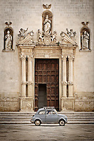 L'ingresso della Chiasa Matrice a Galatina, dedicata a San Pietro e San Paolo. 25/03/2010 (PH Gabriele Spedicato)