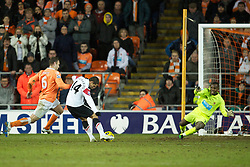 BLACKPOOL, ENGLAND - Tuesday, January 25, 2011: Manchester United's Javier Hernandez scores the second goal and equaliser against Blackpool during the Premiership match at Bloomfield Road. (Photo by David Rawcliffe/Propaganda)