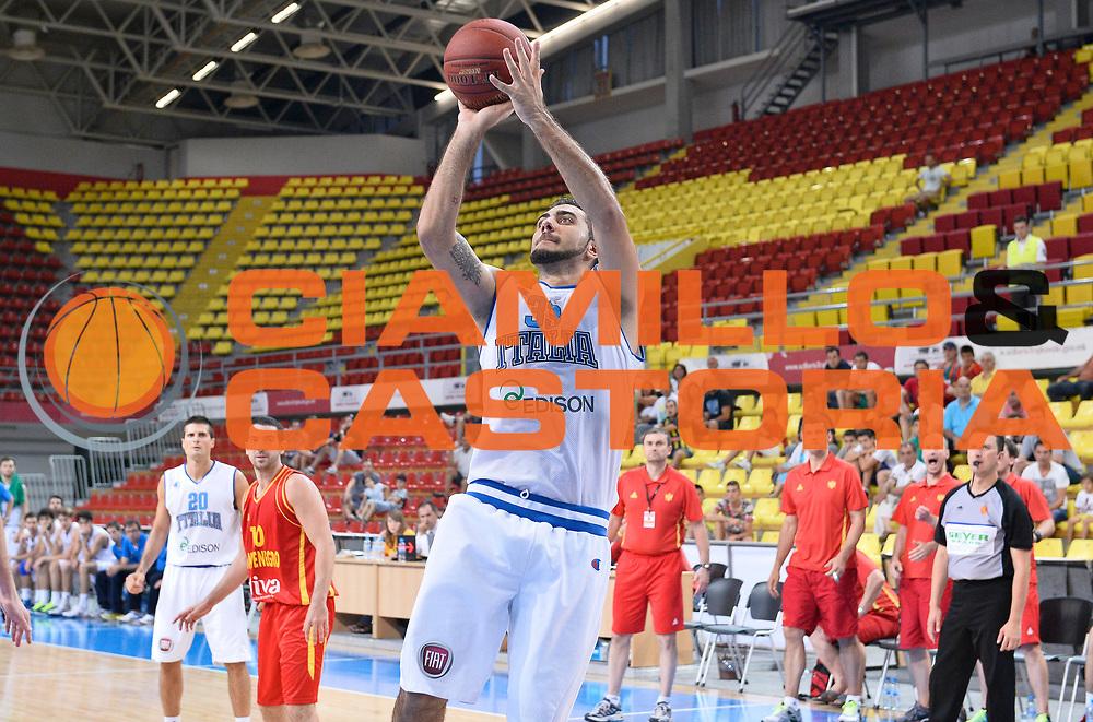 DESCRIZIONE : Skopje Nazionale Italia Uomini Torneo internazionale Italia Montenegro Italy Montenegro<br /> GIOCATORE : Pietro Aradori<br /> CATEGORIA : tiro three points<br /> SQUADRA : Italia Italy<br /> EVENTO : Torneo Internazionale Skopje<br /> GARA : Italia Montenegro Italy Montenegro<br /> DATA : 25/07/2014<br /> SPORT : Pallacanestro<br /> AUTORE : Agenzia Ciamillo-Castoria/A.Scaroni<br /> Galleria : FIP Nazionali 2014<br /> Fotonotizia : Skopje Nazionale Italia Uomini Torneo internazionale Italia Montenegro Italy Montenegro