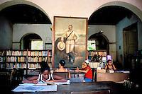 Cuba, Trinidad de Cuba, Patrimoine mondial de l'UNESCO, Bibliotheque municipale // Cuba, Region of Sancti Spiritus,Trinidad, World heritage of UNESCO, city library
