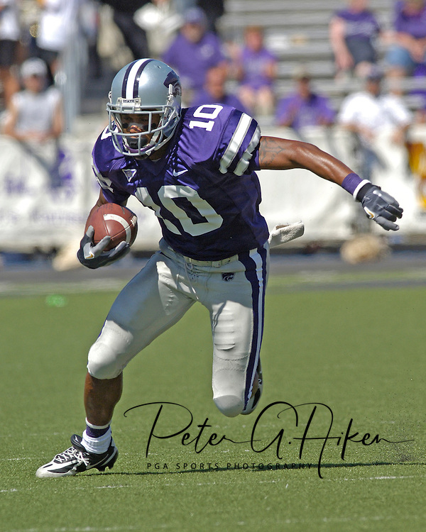 Kansas State wide reciever Jermaine Moreira rushes up field for a 44-yard touchdown in the fourth quarter against Marshall, at Bill Snyder Family Stadium in Manhattan, Kansas, September 16, 2006.  The Wildcats beat the Thundering Herd 23-7.