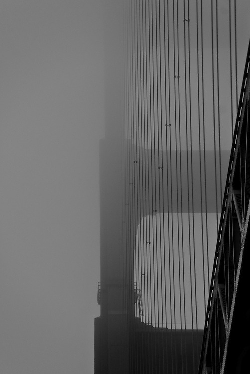Golden Gate Bridge (b/w)
