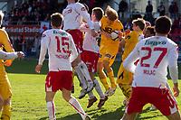 Fotball , <br /> Adeccoligaen , <br /> Seriekamp , <br /> Fredrikstad Stadio , <br /> Fredrikstad - Bodø Glimt, <br /> 02.05.10 , <br /> Bøde Glimts  fikk corner på overtid. Her prøver Per Verner Rønning på en heading.<br /> Foto: Christoffer Andersen / Digitalsport ,