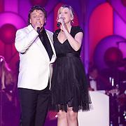 NLD/Hilversum/20120205 - Concert tbv Stichting DON, optreden Rene Froger en Leonie Meijer