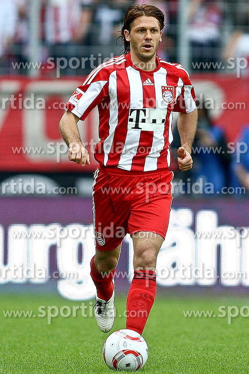 07.08.2010,  Augsburg, GER, 1.FBL, Supercup, FC Bayern Muenchen vs FC Schalke 04,  im Bild Martin Demichelis (Bayern #6)  , EXPA Pictures © 2010, PhotoCredit: EXPA/ nph/ . Straubmeier+++++ ATTENTION - OUT OF GER +++++ / SPORTIDA PHOTO AGENCY