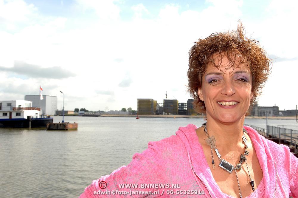 NLD/Amsterdam/20070509 - Nominatielunch Musicalawards 2007, Lenette van Dongen