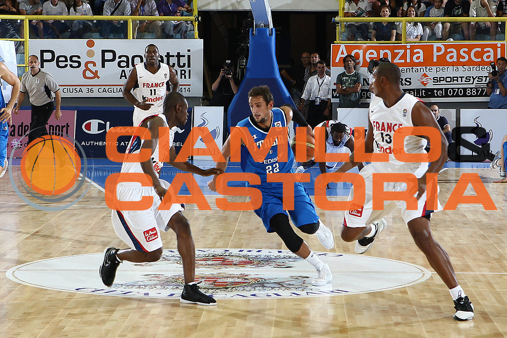 DESCRIZIONE : Cagliari Eurobasket Men 2009 Additional Qualifying Round Italia Francia<br /> GIOCATORE : Marco Belinelli<br /> SQUADRA : Italy Italia Nazionale Maschile<br /> EVENTO : Eurobasket Men 2009 Additional Qualifying Round <br /> GARA : Italia Francia Italy France<br /> DATA : 05/08/2009 <br /> CATEGORIA : palleggio penetrazione<br /> SPORT : Pallacanestro <br /> AUTORE : Agenzia Ciamillo-Castoria/C.De Massis