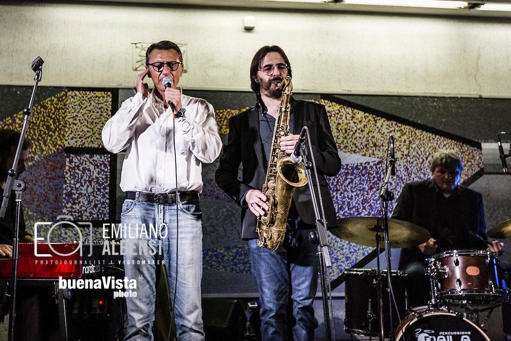 Roma, Lazio, Italia, 31/05/2016<br /> Concerto jazz di Geg&egrave; Telesforo e Max Ionata all'interno della stazione Metro Repubblica. E' il primo vero concerto all'interno della metropolitana di Roma. L'evento fa parte del progetto Tramjazz. <br /> <br /> Rome, Lazio, Italy, 31/05/2016<br /> Jazz concert of Geg&egrave; Telesforo e Maz Ionata into the Repubblica metro station. It's the first real concert organized into the metro of Rome. The event is part of the Tramjazz project.