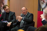 DEU, Deutschland, Germany, Berlin,28.02.2018: Der Journalist Dr. Wulf Schmiese und Dr. Gregor Gysi bei der Buchvorstellung: Taugt das Christentum noch als geistiges Fundament Europas? Der Skandal der Skandale.