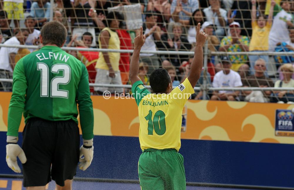 Footbal-FIFA Beach Soccer World Cup 2006 -BRA x USA -Benjamin celebrate the goal- Rio de Janeiro, Brazil - 07/11/2006.<br />Mandatory Credit: FIFA/Ricardo Ayres