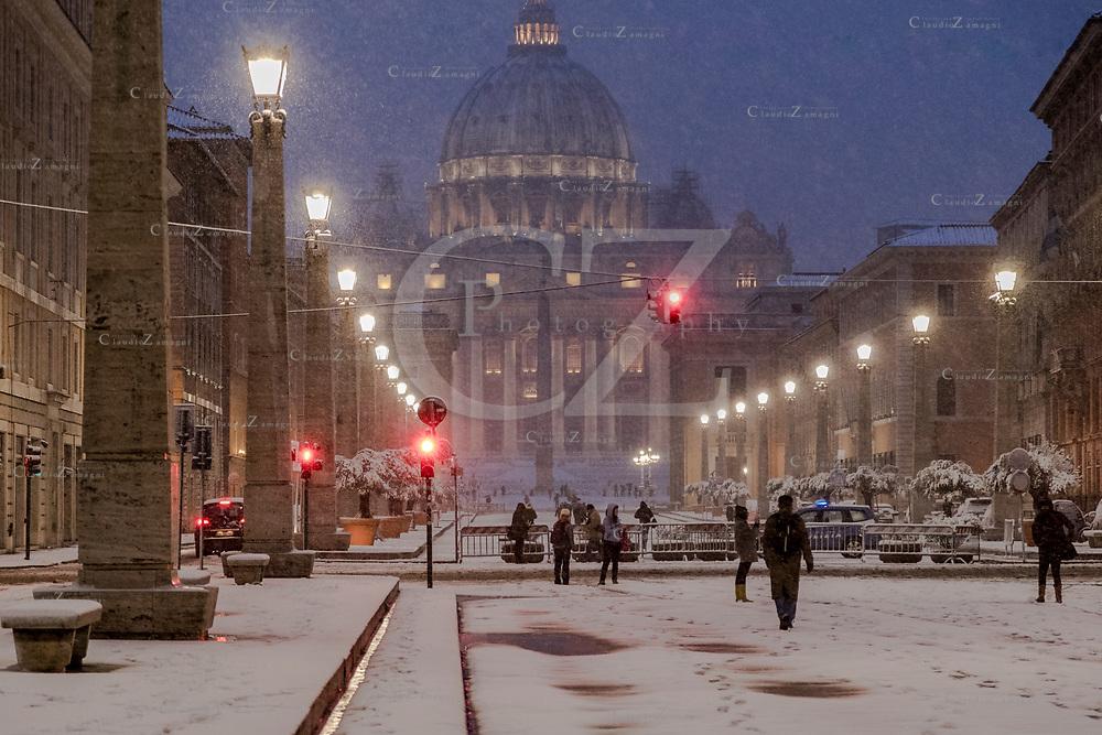 Rome under snow View from Via della Conciliazione to Saint Peter's Basilica<br /> &copy;Claudio Zamagni