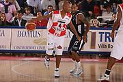 DESCRIZIONE : Teramo Lega A1 2006-07 Siviglia Wear Teramo Climamio Fortitudo Bologna <br /> GIOCATORE : Woodward <br /> SQUADRA : Siviglia Wear Teramo <br /> EVENTO : Campionato Lega A1 2006-2007 <br /> GARA : Siviglia Wear Teramo Climamio Fortitudo Bologna <br /> DATA : 22/04/2007 <br /> CATEGORIA : Palleggio <br /> SPORT : Pallacanestro <br /> AUTORE : Agenzia Ciamillo-Castoria/G.Ciamillo <br /> Galleria : Lega Basket A1 2006-2007 <br />Fotonotizia : Teramo Campionato Italiano Lega A1 2006-2007 Siviglia Wear Teramo Climamio Fortitudo Bologna <br />Predefinita :