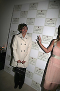 Ines Sastre and India Hicks, India Hicks And Crabtree & Evelyn launch new skincare range. : Hempel Hotel, 31-35 Craven Hill Gardens, London, W2, 22 November 2006. ONE TIME USE ONLY - DO NOT ARCHIVE  © Copyright Photograph by Dafydd Jones 66 Stockwell Park Rd. London SW9 0DA Tel 020 7733 0108 www.dafjones.com