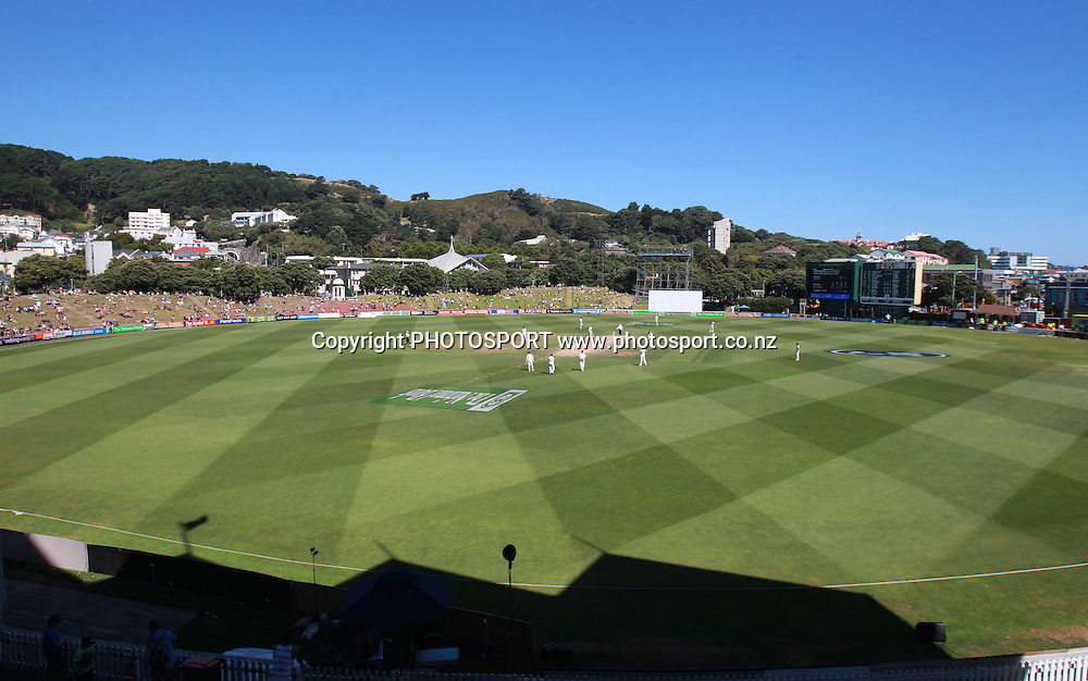 A general view of the Basin Reserve during play on Day 5 of the 2nd test match.  New Zealand Black Caps v Pakistan, Test Match Cricket. Basin Reserve, Wellington, New Zealand. Wednesday 19 January 2011. Photo: Andrew Cornaga/photosport.co.nz