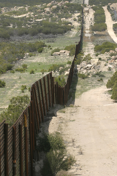 General view of The border between the Us and Mexico on the American side at Boulevard about 65 miles (104.6 km) east of downtown San Diego 21 APRIL 2006....