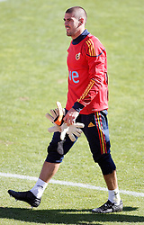 06.10.2010, Madrid, ESP, Spain national football team training, im Bild Victor Valdes during trainning session. EXPA Pictures © 2010, PhotoCredit: EXPA/ Alterphotos/ Alvaro Hernandez +++++ ATTENTION - OUT OF SPAIN / ESP +++++