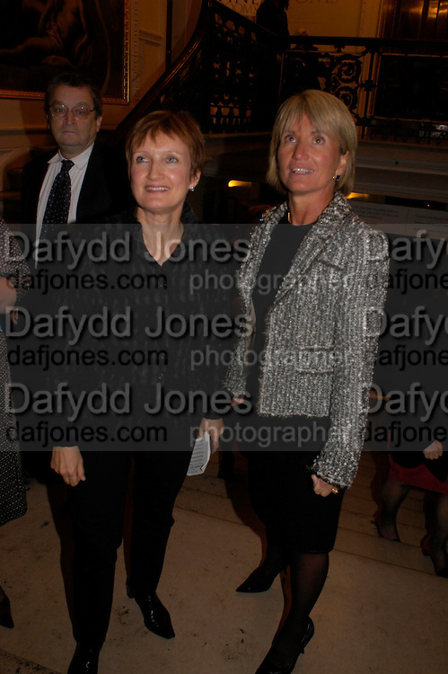 Tessa Jowell and  Lawton Fitt. The opening of Turks: A Journey of a Thousand Years, 600-1600 - an exhibition of Turkish art.  Royal Academy of Arts, Piccadilly, London ONE TIME USE ONLY - DO NOT ARCHIVE  © Copyright Photograph by Dafydd Jones 66 Stockwell Park Rd. London SW9 0DA Tel 020 7733 0108 www.dafjones.com