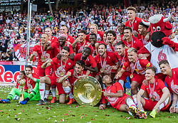 26.05.2019, Red Bull Arena, Salzburg, AUT, 1. FBL, FC Red Bull Salzburg Meisterfeier, im Bild Spieler des FC Red Bull Salzburg jubeln mit dem Meisterteller // during the Austrian Football Bundesliga Championsship Celebration at the Red Bull Arena in Salzburg, Austria on 2019/05/26. EXPA Pictures © 2019, PhotoCredit: EXPA/ JFK