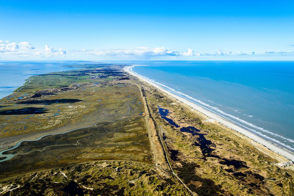 Nederland, Friesland, Ameland, 28-02-2016; overzicht Ameland vanuit het oosten, met Kooioerdstuifdijk, rechts de Noordzee. In de voorgrond Zoute Weide, op de grens met natuurgebied Het Oerd.<br /> Wadden island Ameland, Wadden sea. <br /> luchtfoto (toeslag op standard tarieven);<br /> aerial photo (additional fee required);<br /> copyright foto/photo Siebe Swart