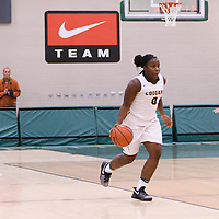 1st year guard Kyanna Giles (9) of the Regina Cougars in action during the Women's Basketball Preseason game on October 6 at Centre for Kinesiology, Health and Sport. Credit: Arthur Ward/Arthur Images