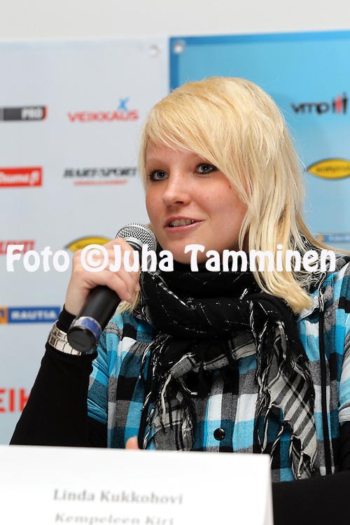 3.5.2012, SLU-talo, Helsinki..Superpesiksen avaustilaisuus..Linda Kukkohovi - Kempeleen Kiri
