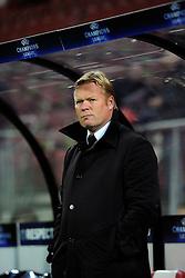 20-10-2009 VOETBAL: AZ - ARSENAL: ALKMAAR<br /> AZ in slotminuut naast Arsenal 1-1 / Ronald Koeman<br /> ©2009-WWW.FOTOHOOGENDOORN.NL