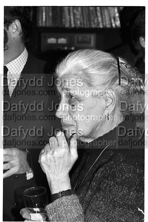 EVE ARNOLD, Party given by Ed Victor, Cambridge Gate, 25 March 1985. <br /> <br /> SUPPLIED FOR ONE-TIME USE ONLY&gt; DO NOT ARCHIVE. &copy; Copyright Photograph by Dafydd Jones 248 Clapham Rd.  London SW90PZ Tel 020 7820 0771 www.dafjones.com