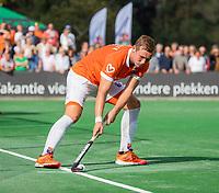 BLOEMENDAAL - Floris Wortelboer (Bldaal) geeft de strafcorner aan. .  Hoofdklasse competitiewedstrijd heren, Bloemendaal-Hurley (6-0). COPYRIGHT KOEN SUYK/ KOEN SUYK