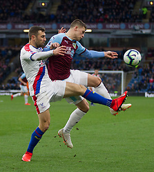 James McArthur of Crystal Palace (L) and Johann Gudmundsson of Burnley in action - Mandatory by-line: Jack Phillips/JMP - 02/03/2019 - FOOTBALL - Turf Moor - Burnley, England - Burnley v Crystal Palace - English Premier League